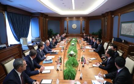 gazprom-petrovietnam-talk-gas-cooperation